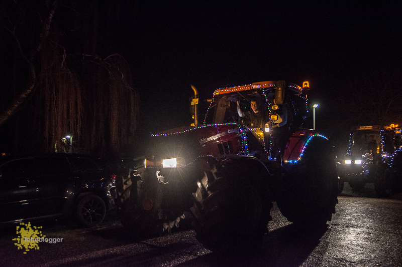 Weihnachtlicher Trecker Korso der KLJB Klostermoor