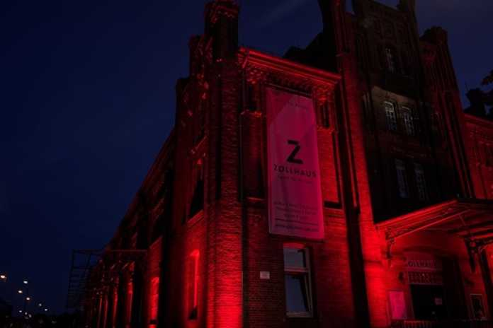 Das Zollhaus in rot - Alarmstufe Rot!